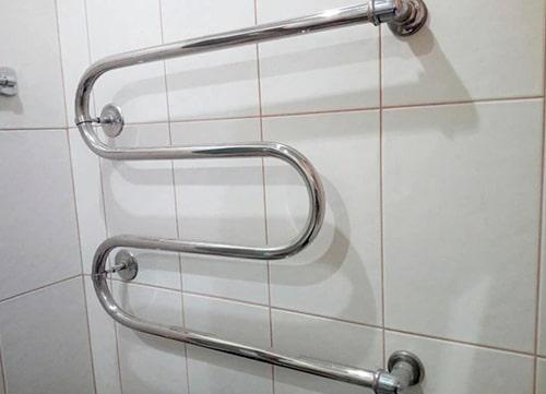 Установка полотенцесушителя в Киеве